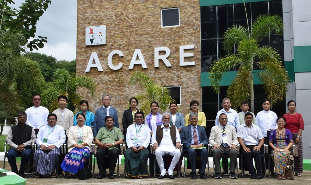 Honourble MoS Agriculture & Farmers Welfare at Advanced Centre for Agricultural Education and Research (ACARE), Myanmar along with Indian Ambassador, Resident Advisor, Faculty of YAU and IARI