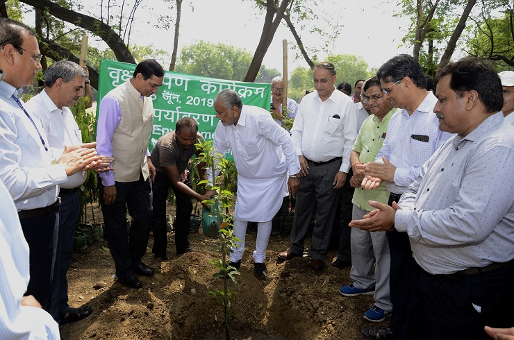 Plantation by Hon'ble MoS Agriculture and Farmers Welfare at IARI on World Environment Day